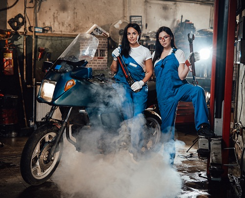 L'entretien d'un kit chaine moto